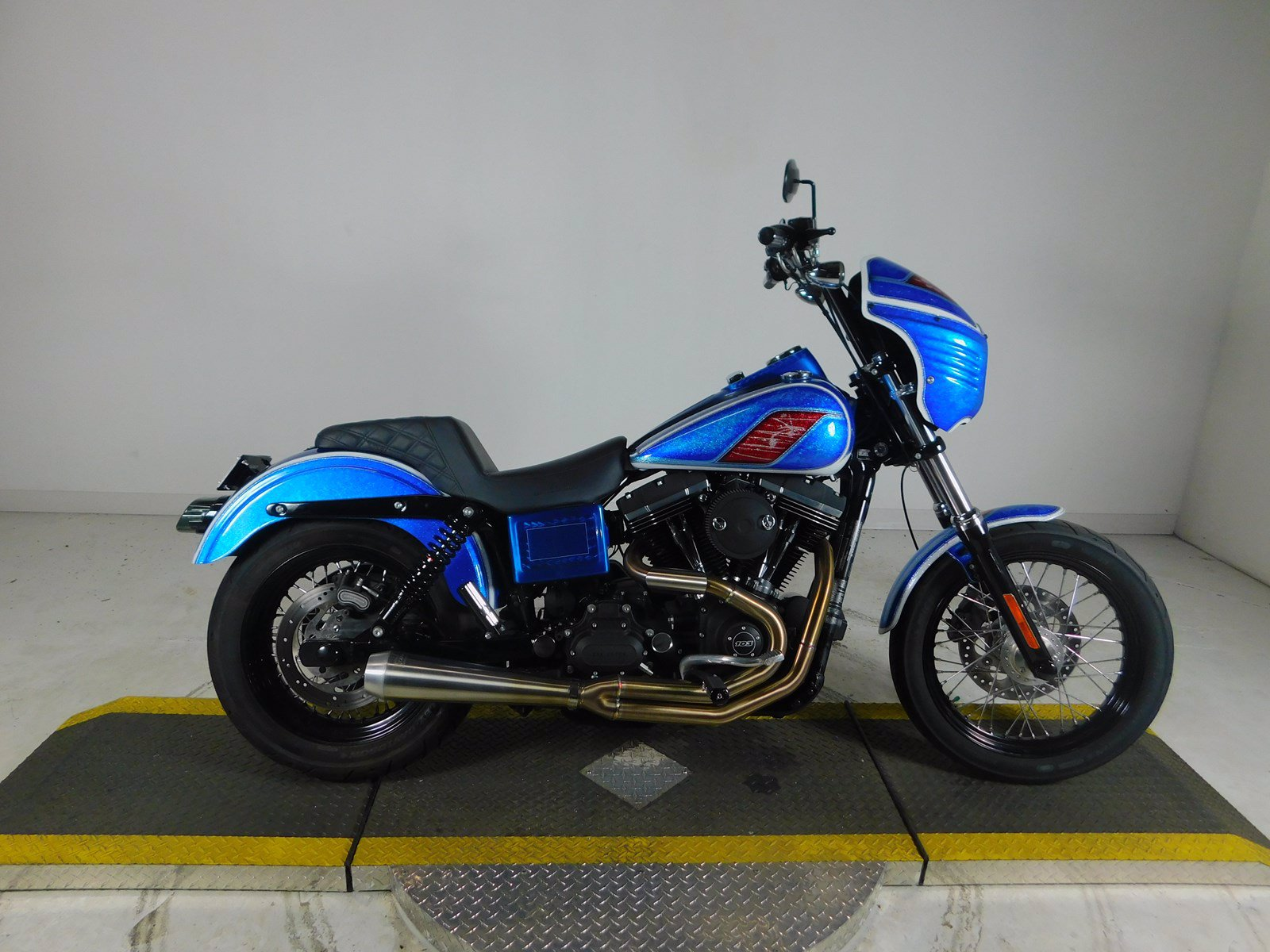 Pre-Owned 2017 Harley-Davidson Dyna Street Bob FXDB on