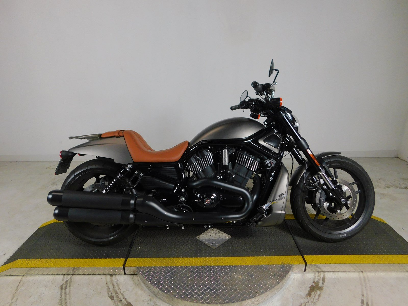 Pre Owned 2016 Harley Davidson V Rod Night Special Vrscdx