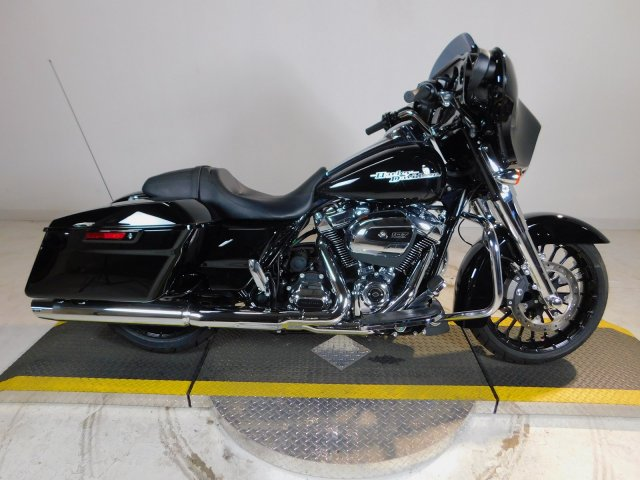 New 2018 Harley-Davidson Street Glide Special FLHXS