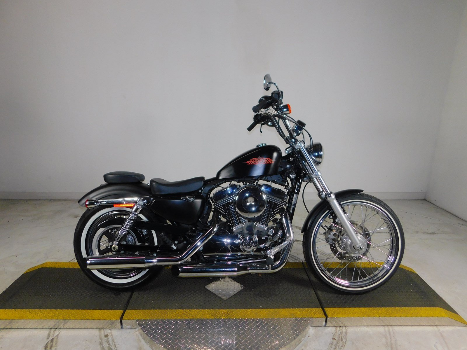 Pre-Owned 2013 Harley-Davidson Sportster Seventy-Two XL1200V