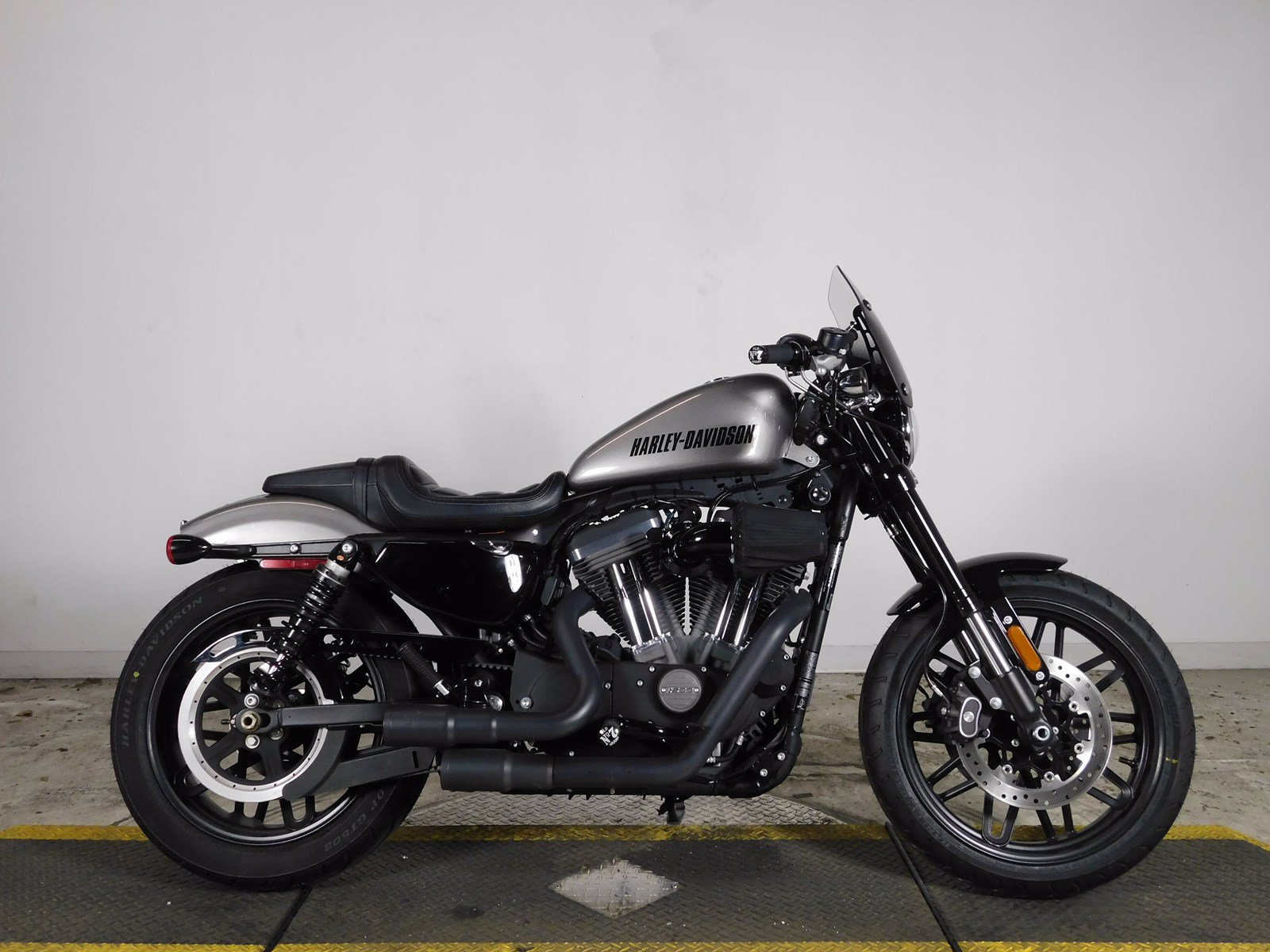 Pre-Owned 2017 Harley Davidson Sportster Roadster XL1200CX