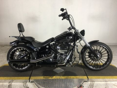 Pre-Owned 2017 Harley-Davidson Softail Breakout FXSB