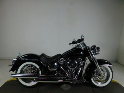 Pre-Owned 2019 Harley-Davidson Softail Deluxe FLDE