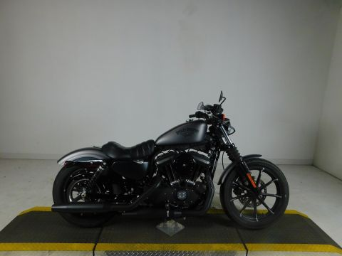 Pre-Owned 2016 Harley-Davidson Sportster Iron 883 XL883N